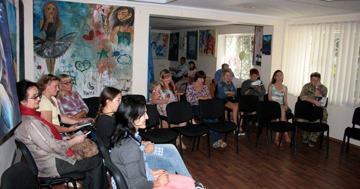 В Авдіївці презентували документальну книгу про життя міста під час АТО