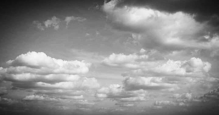 сумна новина - чорно-білі хмари