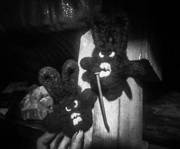 Злобний зайка - сувенір - з валяної шерсті