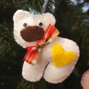 Полярний ведмедик з фетру