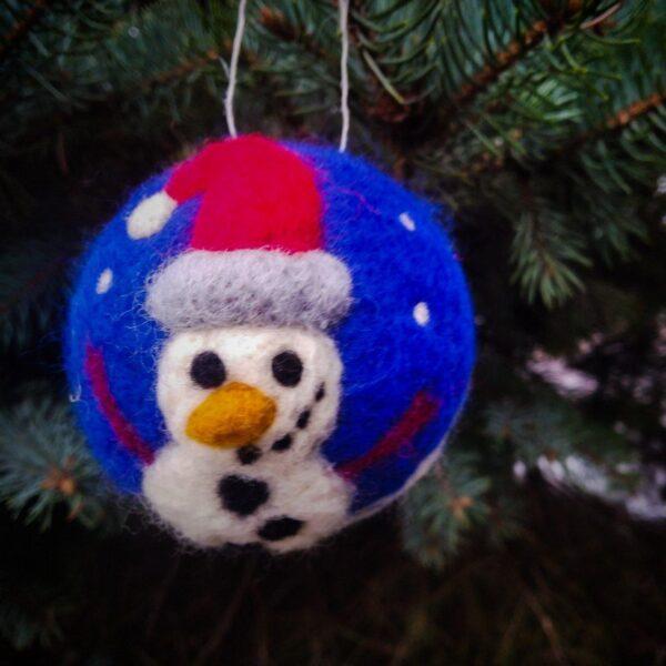 """Ялинкова кулька """"Сніговик"""" з валяної шерсті"""